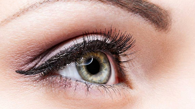 Pump Up The Volume With Eyelash Extensions
