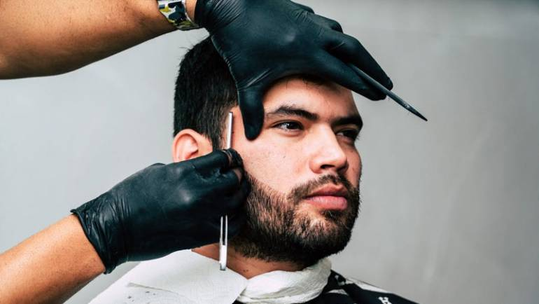 Top 6 Reasons Why Guys Should Come To A Salon Instead Of A Barber Shop