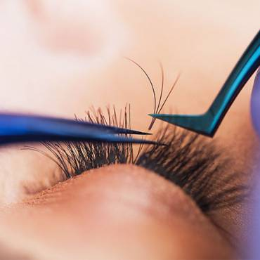 6 Reasons Why You Should Try Eyelash Extensions